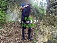 Pari simple, sortie du boulot, strip dans la première forêt venue !!!  de temps en temps, une copine par le biais de skype me lance des paris....